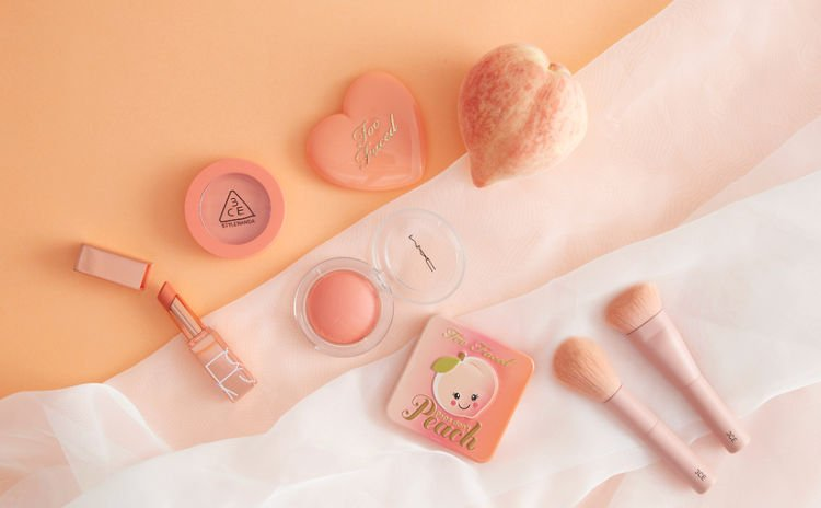 蜜桃色活力又可愛🍑春夏必備6大「粉嫩蜜桃色」彩妝產品 打造男生最愛甜蜜妝容